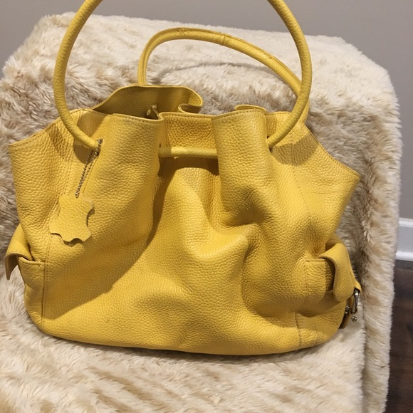 Coldwater Creek Handbags - Coldwater Creek Leather Hobo Bag Yellow Preowned d69f8fcbd71d0